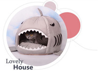 Wholesale Winter Warm and soft Shark doghouse Warm cat bed Pet soft bed Doghole Cat house S amp M pet house