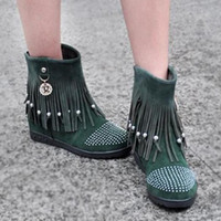 Wholesale spring and autumn fashion vivi fashion tassel boots flat heel boots solid color boots women s shoes isatie