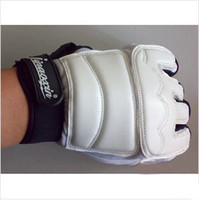 Wholesale Tae Kwon do boxing gloves half finger fitness gloves sport amp exercise gloves