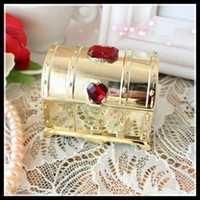 Wholesale Wedding Box Favors Treasure Chest Design With Diamond Candy Favor Sweetbox Candy Package New Candy Favors Novelty Wedding Favors holders