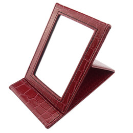 Wholesale Fashion Folding Portable Pocket Compact Mirror Make Up Hand Mirrors With PU leather frame Z002