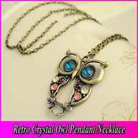 Wholesale Vintage Colorful Cute Owl Carved Hollow Chain Necklace Crystal Dropping Pendant Jewelry For Womens