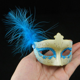 Wholesale new mini feather mask venetian masquerade party decoration carnival mardi gras bar prop wedding gift mix color on sale
