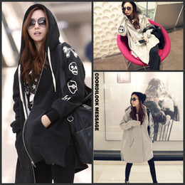 Wholesale Qiu dong season new style dress Fashion personality skulls hooded casual clothes black gray color coat