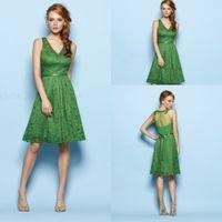 Joli vert Prix-Livraison gratuite Sheer Retour Avec Green Belt V-cou Sheer Retour Parti Jolie robe en dentelle robe de retour