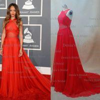 Дешевые Красные Sheer Вечерние платья Вдохновленные Rihanna платье 55-й премии Грэмми Red Carpet платья знаменитостей крест-накрест Назад Real DHYZ изображения