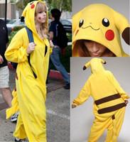 achat en gros de pyjamas jaunes femmes-Nouvelle vente chaude jaune Pikachu robe Lovely pas cher pyjamas Anime Cosplay Costume Unisexe Adulte Adulte Manteau de femme