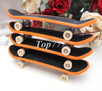 Wholesale Christmas gift R4 Finger Board Truck Skateboards Boy Toy Party Favor Kids children Skateboarding demo