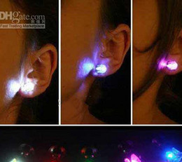 Novelty Creative LED Flash Earrings Unsex Magnet Earrings Prom Party Supplies Rave Toys and Gifts free shipping