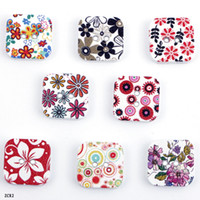 Wholesale ZCR2 Fashion g Colorful Flower Printed Square Wooden Buttons Beads Wood Round Fit Clothes Accessories Sewing Or Craft Scrapbooking