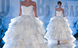 Wholesale Sweetheart Beaded Wedding Dresses Layered Organza A Line Sequins Paolo Sebastian Bodice Bridal Gowns Floor Length Sleeveless Ruffled