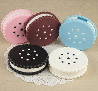 Wholesale Cute Sweet cookies style cosmetic contact lenses case box lens Companion box candycolor