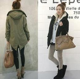 Wholesale 2013 Winter Women Thicken Fur Quilted Woolen Outwears Lady Green Black Long Sleeve Warmest Coats Jackets B1985