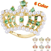 Wholesale Gold plated Crystal Crown Brooches Color mix Pearl Crown Decorative Brooch Women Clothing Pins