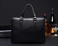 i sacchetti del computer portatile Europea e Americana della moda uomo classiche borse a tracolla in pelle Vacchetta borsa borsa lavoro men#039;s valigetta in pelle