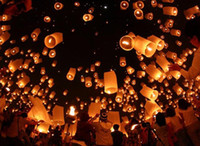 Wholesale Chinese Kongming Paper Lanterns SKY Balloon Kongming Wishing Lanterns Flying Fire Light Christmas Decoration Light New Year Wish Lights