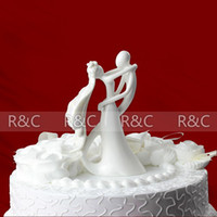 Wholesale Hot sellingt wedding favors Arrival Bride and Groom Ceramic Wedding Favor Cake Decoration Figurine Wedding Cake decoration