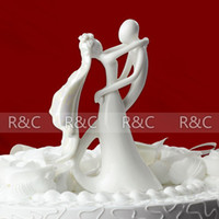 Wholesale New Arrival Bride and Groom Wedding Favor Cake Decoration Figurine Ceramic Wedding Cake Topper