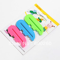 Wholesale Toothpaste Tube Squeezer Easy Press Dispenser Crocodile