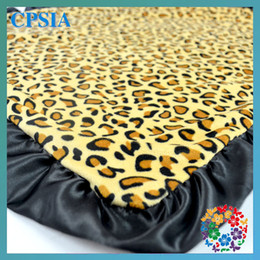 Wholesale Leopard Animal printed Fleece fabric polyester Soft baby blankets blankets DHL Free