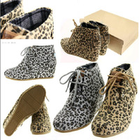 Free shipping New Women's Tom Classic wedges boots, suede Lac...