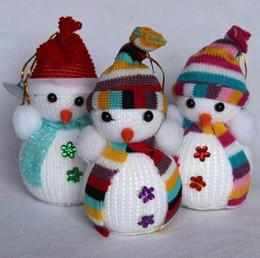 Wholesale Nueva Llegada De Increíble Chritmas Pequeño Muñeco De Nieve Con Colorido Para Navidad Decoración Lindo Árbol De Navidad Colgar Decoraciones T90165