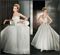 Wholesale New fashion Ivory Ball Gown Sweetheart Court Train Sleeveless Crystal Beaded Appliqued Lace Satin wedding dresses for Bridal