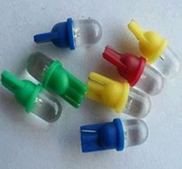 Compra Online Luces del coche rojo-¡500PCS mucho! T10 ¡1 bulbo cóncavo blanco / rojo / azul / amarillo / verde de la bombilla de la lámpara T10 1LED de la bombilla de los indicadores del coche del LED LED!