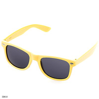 Fashion yellow frame sunglasses - Vogue Big Frame Glasses Outdoor Sunglasses Yellow Dustproof Eyeglasses ZDH10