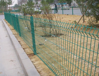 Wholesale Roadside Lawn Protective Wire Mesh Fence With All Accessories Pre buried Fence Post mm