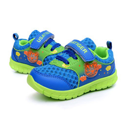 Wholesale Sport Shoes for Kids Blue Athletic Shoes Unisex Breathable Fabric on Linning with Velcro Easy On and Off Skid Proof Durable Sole New Arrival