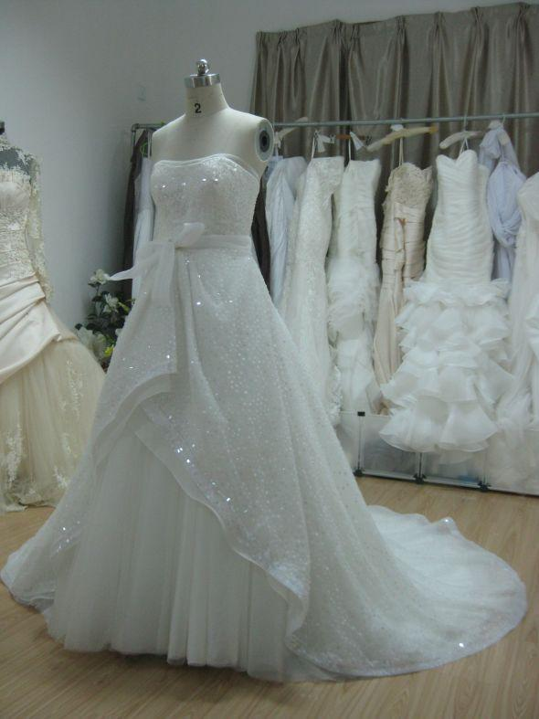 Discount shiny real sample bridal gown plain simple white for Wedding dress fabric samples