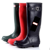 Wholesale New Fashion Women s Hunnting Designer Rubber Buckle Rain Boots Water Shoes Plus size Black Tall High Top Rainboots for ladies