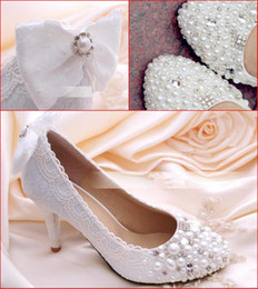 Wholesale White Lace Wedding Shoes High Heel cm Pearls Beads Crystals Bling Bling with Bow Knot Formal Party Shoes High heeled Prom Shoe