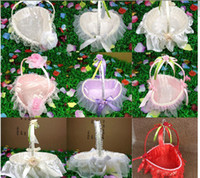 Wholesale White Red Purple Pink Lace Wedding Ceremony Flower Girl Basket Bridesmaids Portable Flower Basket Romantic Wedding Favors