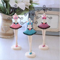 Wholesale Painted Jewelry Doll Jewelry Display Stand Wedding Birthday Gift D04701006