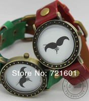 Wholesale Low Price Two Pie Mustache Vintage Woman Fashion Men Retro Colorful Ladies Wrist Watch