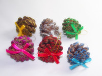 Wholesale Colorful Dry Pine Cone Christmas Tree Ornaments pieces