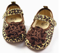 Wholesale Fashion Design Cute Crib Shoes First Walker Brown Leopard Flower For Baby Girl Kids