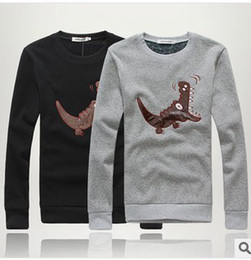 Free shipping! Men's Fashion Cortical pattern Plus Velvet Round Neck Pullover Male and Female Couple Upper outer garment AQW011