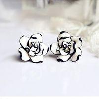 Stud women earrings lot - Fashion Flower Stud Earrings For Women Black White Resin Rose Flower Ear Studs Earrings PARS