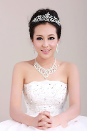 Wholesale 2014 new simple Temperament Luxury White Pearl Crown Earrings Necklace three piece suit online