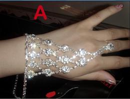 Wholesale New Beautiful Bridal Accessories Bridal Bracelet Wedding Jewelry Fashion Jewelry Suppliers Wedding Dress Accessories