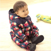 baby clothes retailers - Retailer baby clothes red and blue winter romper with hats Stain resistance color Baby body jumpsuit