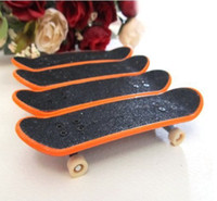 Wholesale 4 Finger Board Truck Skateboards Boy Toy Party Favor Kids children Skateboarding demo