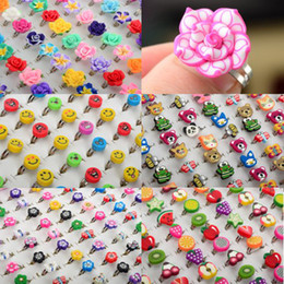 Wholesale 100X Jewerly Loverly Flower Smile Butterfly Fruit Mix Polymer Clay Rings Fashion Adjustable Comfortable Ring Children Rings Jewelry