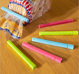 Wholesale Retail Colored Plastic Bag Clip Sealer Up For Food Clip And Flavoring Kitchen Accessories Innovative Items Novelty Household Gift L410