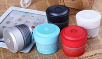 Wholesale New Round Cosmetic shape Bluetooth speaker with USB TF card and FM radio Music Speaker