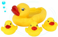 Wholesale Baby Bathing Developmental Toys Water Floating Squeaky Yellow Rubber Ducks