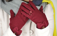 Wholesale autumn and winter solid color comfortable women s fashion thermal gloves bow glove Outdoor warm mittens PSM020